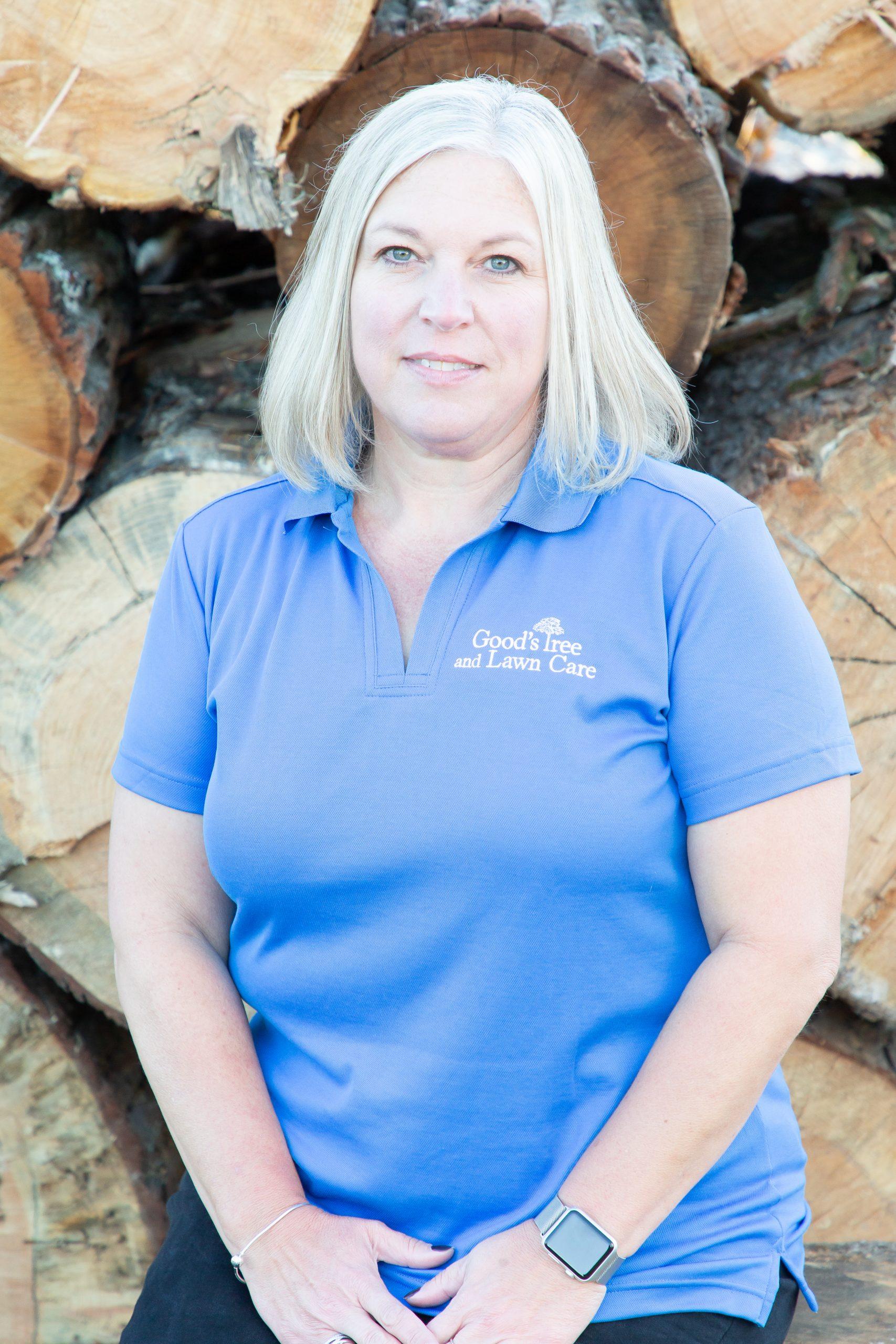 Elaine Menegon - Our Team